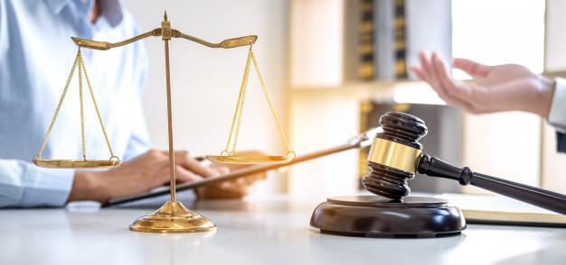 Le parcours des avocats dans un monde juridique